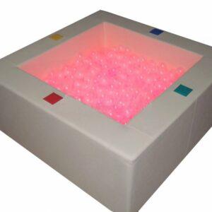 Сухой интерактивный бассейн с кнопками-переключателями
